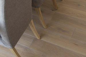 Ąžuolinė grindinė lenta, spalva 3418 Kriaušė