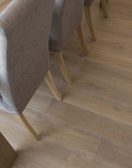 Medinės ąžuolinės grindys: spalva Kriaušė 3418.