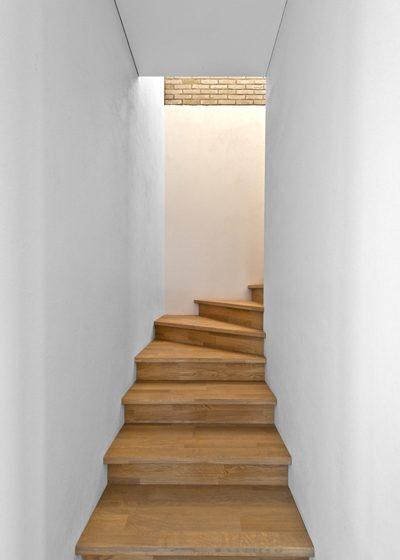 Ąžuoliniai masyvo laiptai: L forma, Pilka 3417.