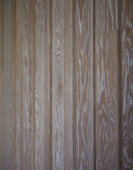 Medinė ąžuolinė deko siena: skaidriai balta, Q-3409.