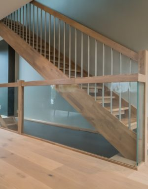 Mediniai laiptai: I forma, spalva Kriaušė 3418.