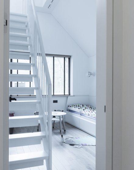 Laiptai. Dizaino virtuvė. Fotografas: Kernius  Pauliukonis