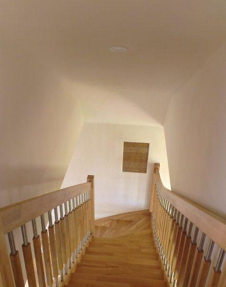 Mediniai ąžuolo masyvo laiptai: forma L, spalva Bespalvė 3305.