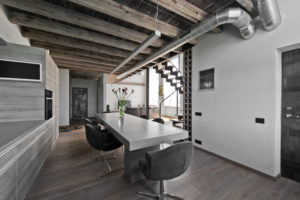Loft. Steamed oak floor board, color S-3409 Clear white. Interior: AG STUDIJA, photographer Leonas Garbačiauskas