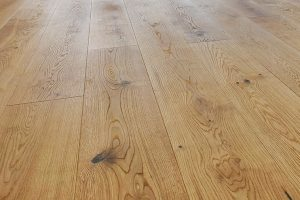 Medines-grindys-Medzio-stilius