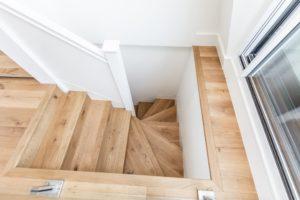 medines grindys 3305 beslapve alyva Medzio stilius