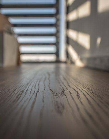 Medinės grindys: T-3094 Bagno Vignoni. 230 mm pločio ąžuolinė grindinė lenta.