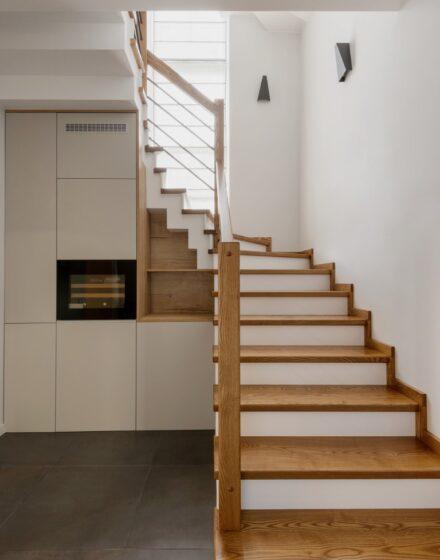 Medinės ąžuolinės grindys: spalva 3081 šviesus riešutas.